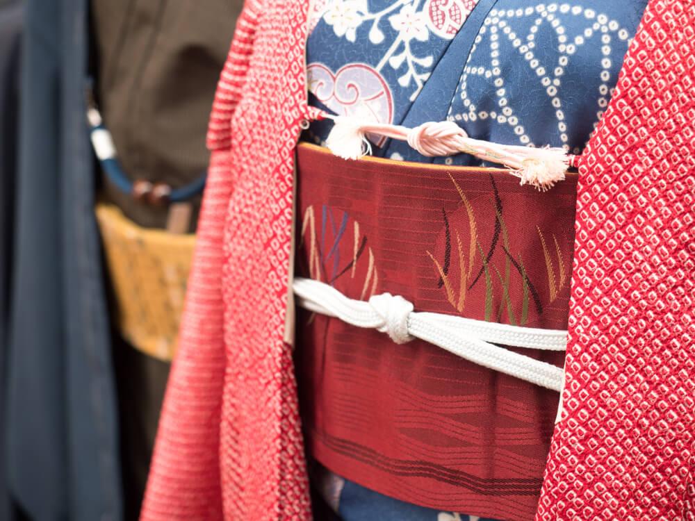 カップルのためのプラン・味わい深いアンティーク着物を着て浅草を散策